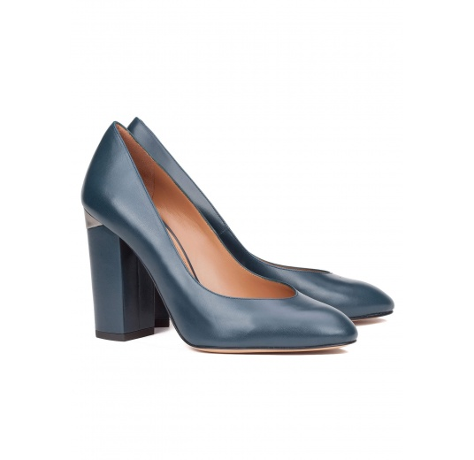 High block heel pumps in petrol blue leather Pura López