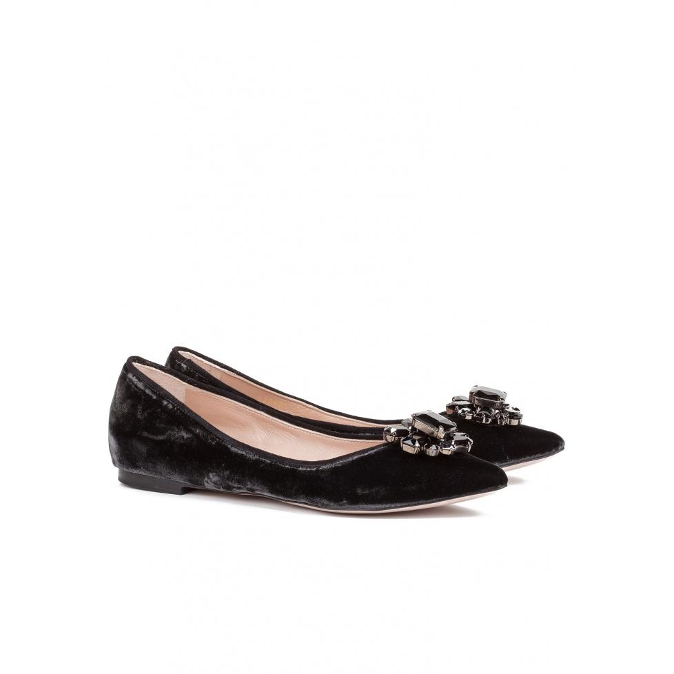 Zapato gris plano con adorno joya - tienda de zapatos Pura López