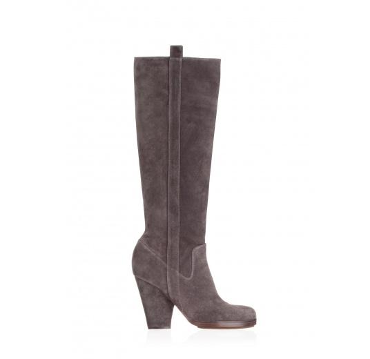 High heel boots in grey suede Pura L�pez