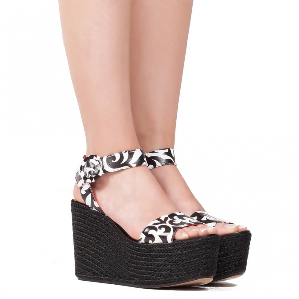 Wedge sandals in printed leather - online shoe store Pura Lopez