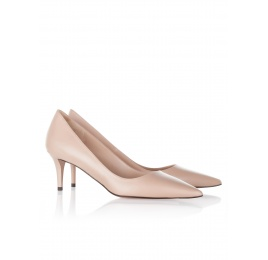 Mid heel pumps in nude leather Pura López
