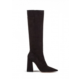 High heel boots in black suede Pura López