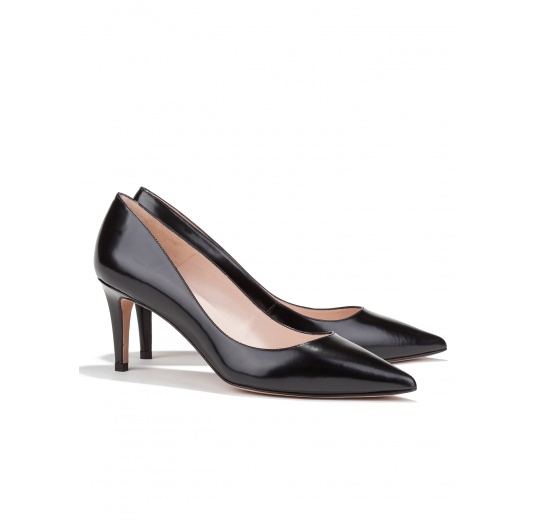 Mid heel pumps in black leather Pura L�pez