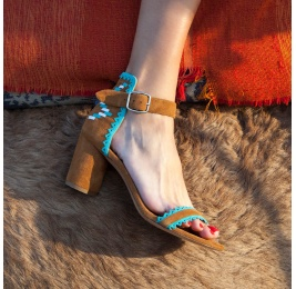 Chestnut mid heel sandals with tribal detail at back Pura López