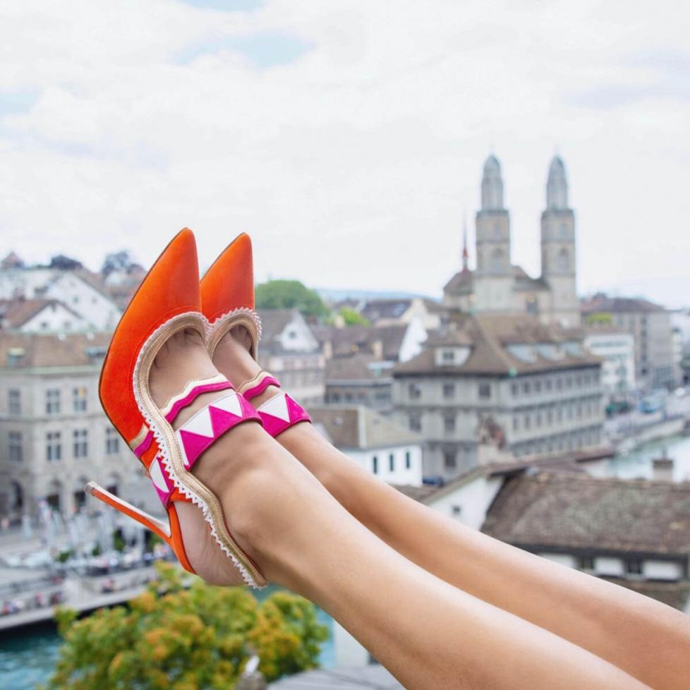 Zapatos destalonados de tacón alto en ante naranja