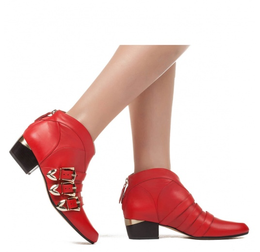 Mid heel ankle boots in red leather Pura L�pez
