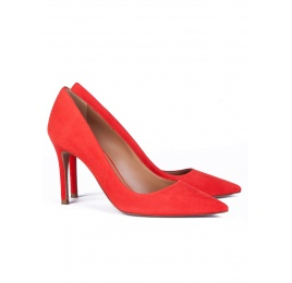 High heel pumps in red suede Pura López