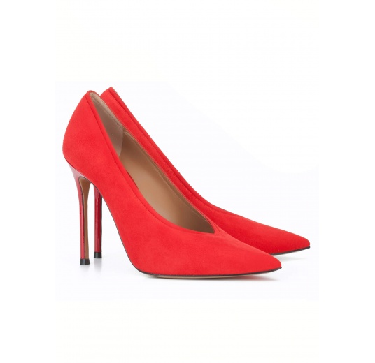 V-cut heeled pumps in red suede Pura L�pez