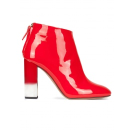 High block heel ankle boots in red patent leather Pura López