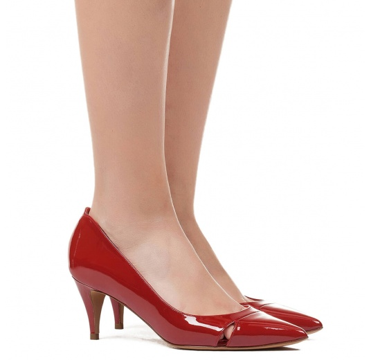 Mid heel pumps in red patent leather Pura L�pez