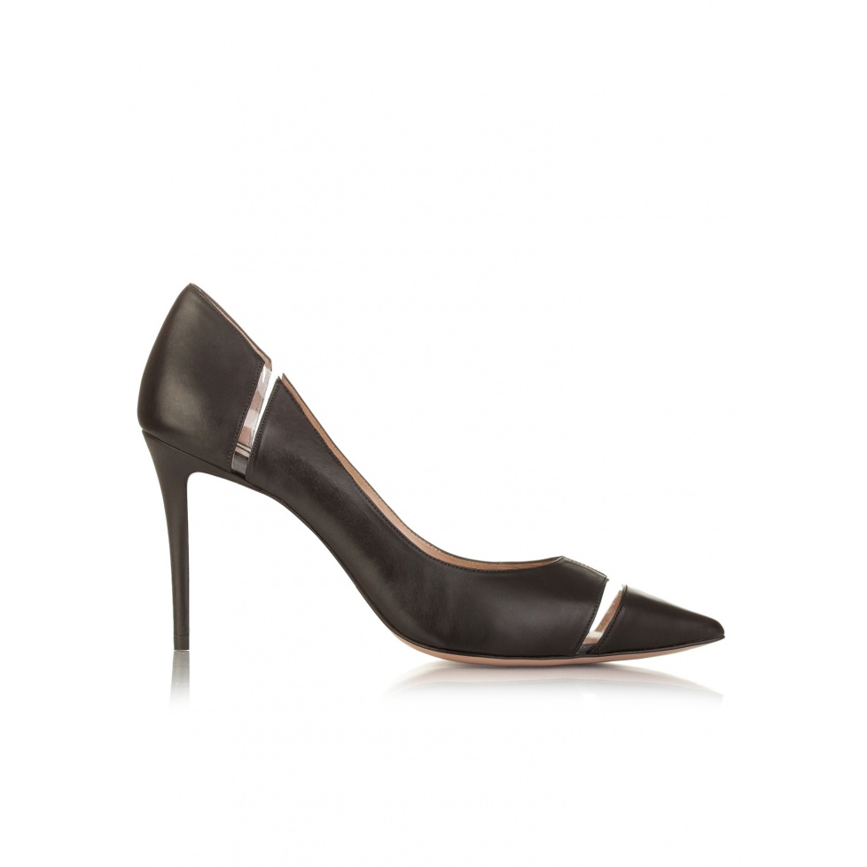 High heel pointy toe shoes in black leather