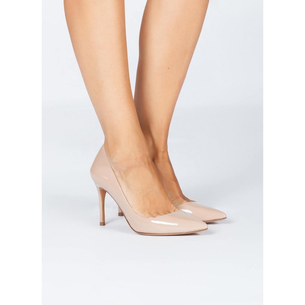 Zapatos de salón en charol nude - tienda de zapatos Pura López