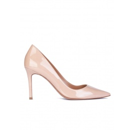 Nude patent leather pointy toe pumps Pura López