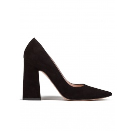 High block heel pumps in black suede Pura López