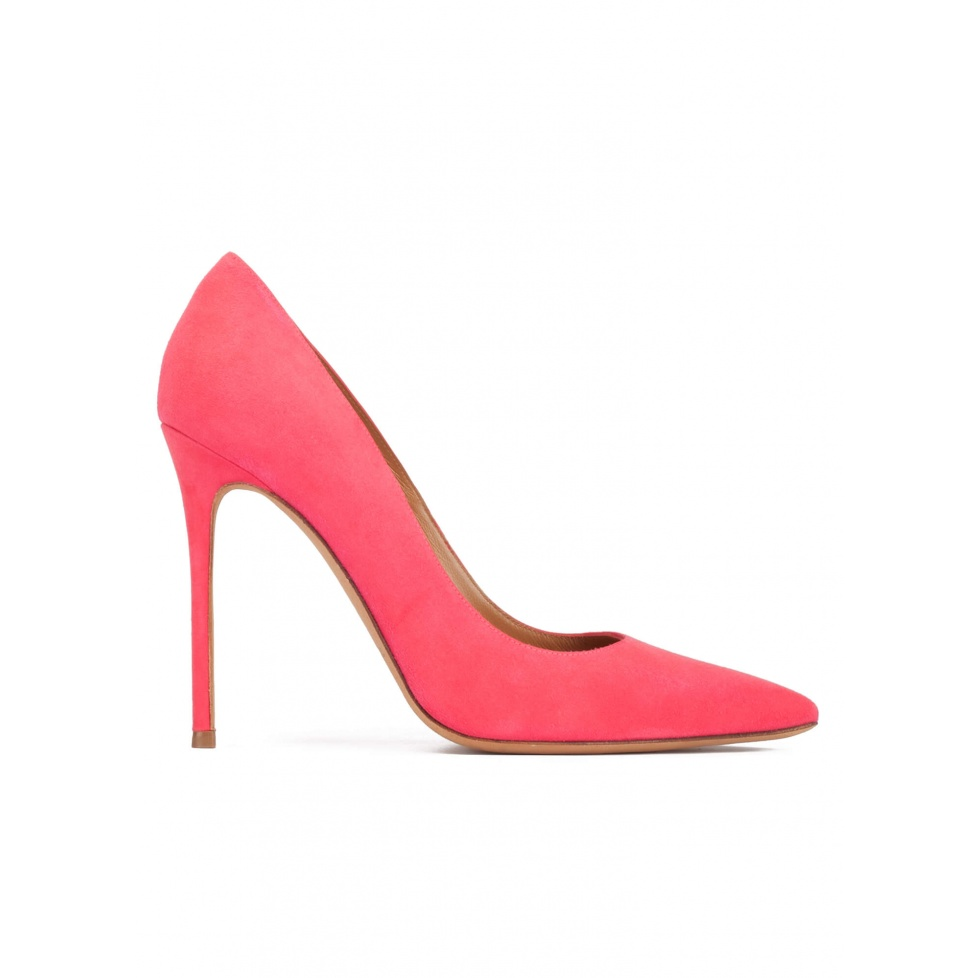 Heeled point-toe pumps in coral pink suede