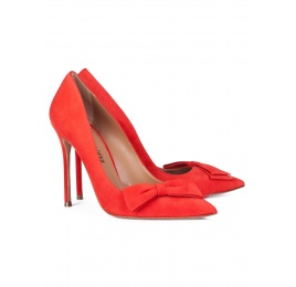 Bow detailed high heel pumps in red suede Pura López
