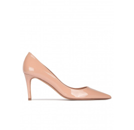 Pointed toe mid-heeled pumps in nude patent leather Pura López