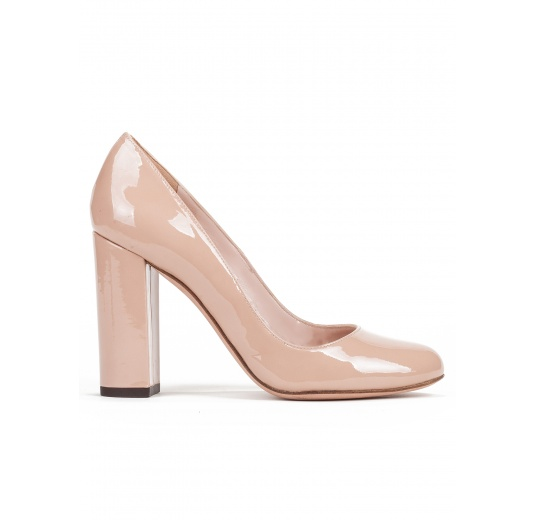 Block high heel pumps in nude patent leather Pura L�pez
