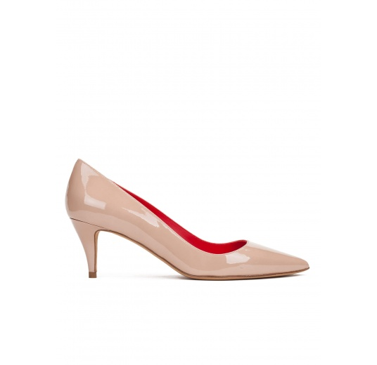 Mid heel pumps in nude patent leather Pura L�pez