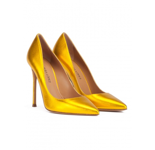 Yellow high heel pointed toe pumps in metallic leather Pura L�pez