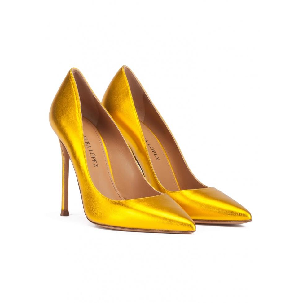 Salones metalizados de tacón alto en piel color amarillo