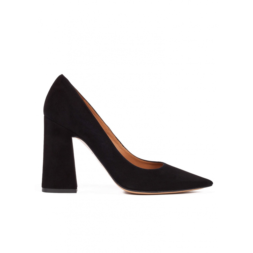 High block heel pumps in black suede