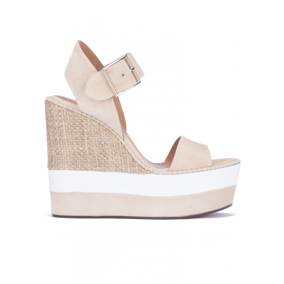 Platform sandals in sand suede and raffia