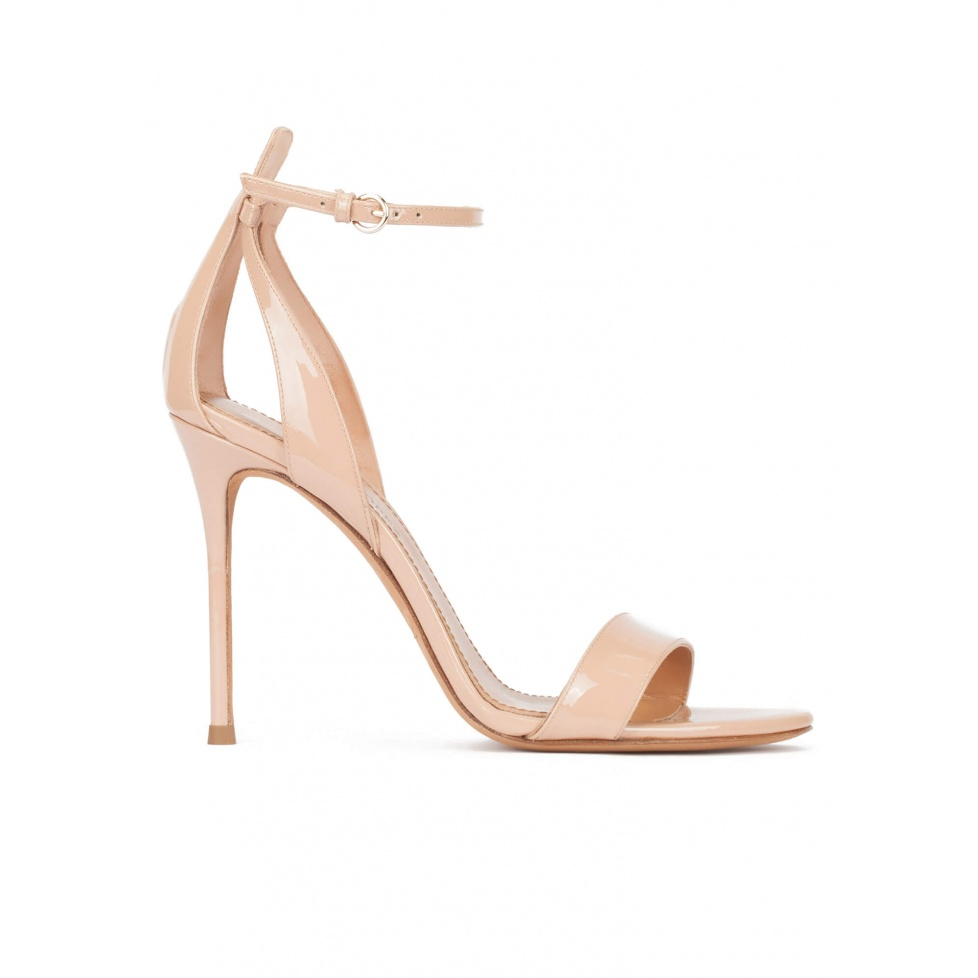 Minimalist high heel sandals in nude patent leather
