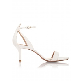 Medium heel wedding sandals in offwhite satin Pura López