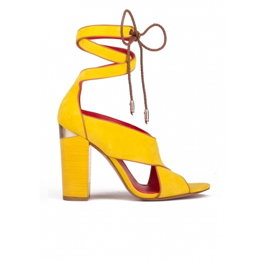 Lace-up block high heel sandals in yellow suede Pura López