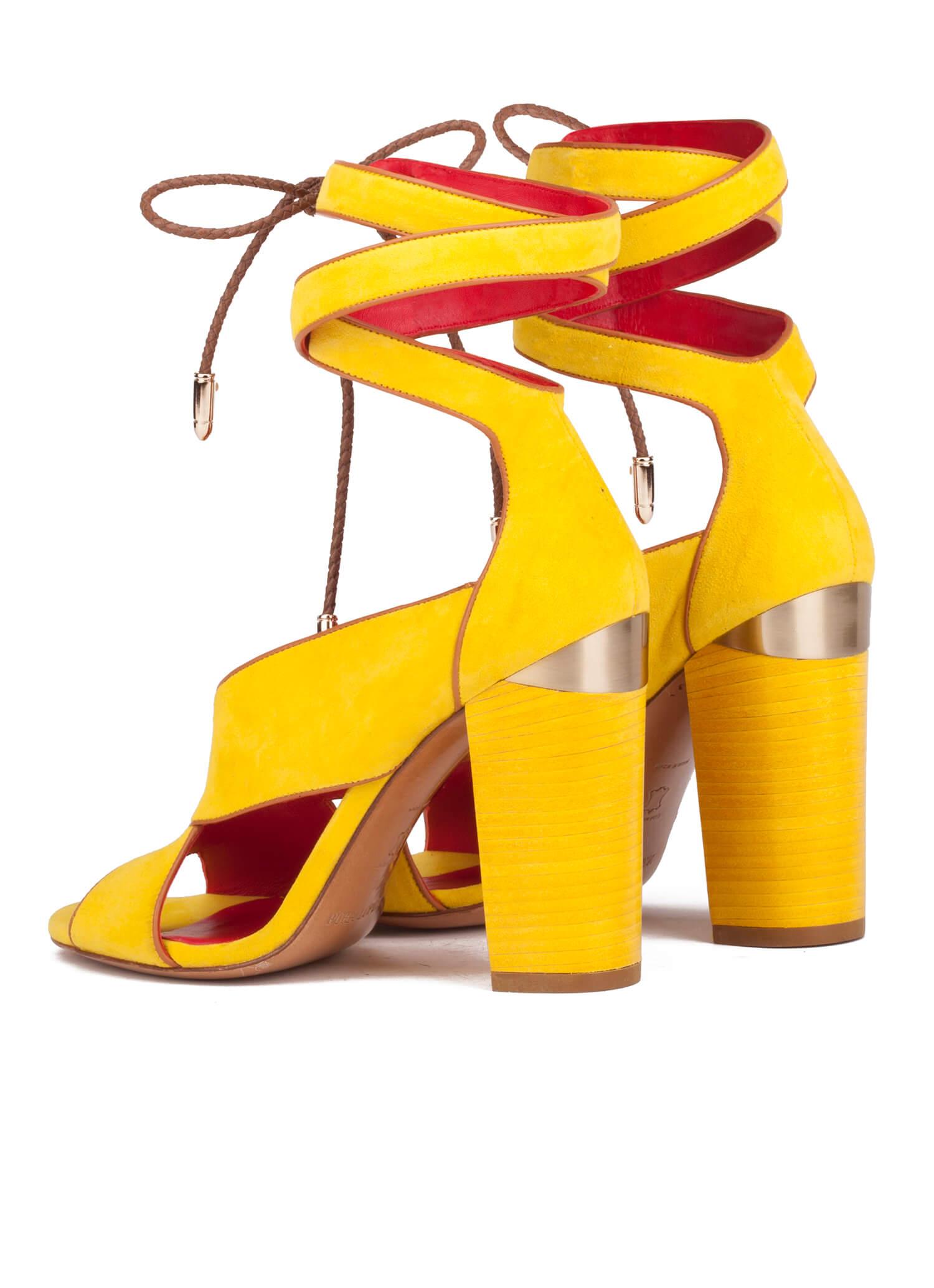 99736d754 Sandalia de tacón alto en ante amarillo-tienda oficial Pura López ...