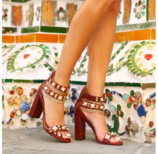 Flower trimmed ankle strap high block heel sandals in burgundy leather Pura L�pez