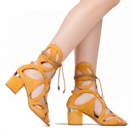 Lace-up mid chunky heel sandals in tobacco suede Pura López