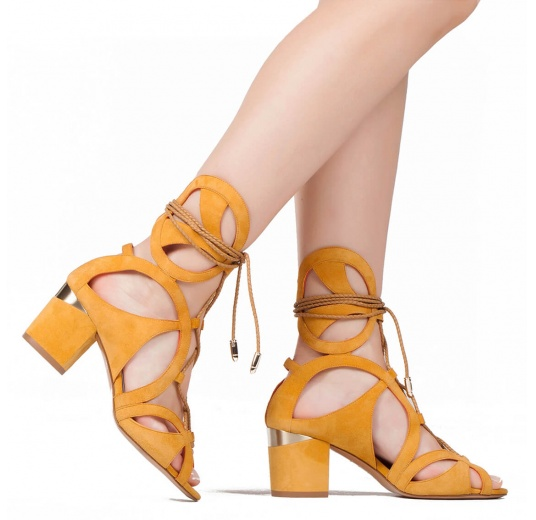 Lace-up mid chunky heel sandals in tobacco suede Pura L�pez