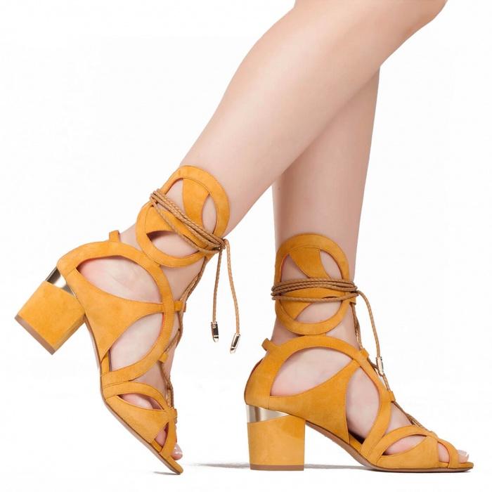 Cutout sandals in tobacco suede - shoe store Pura López