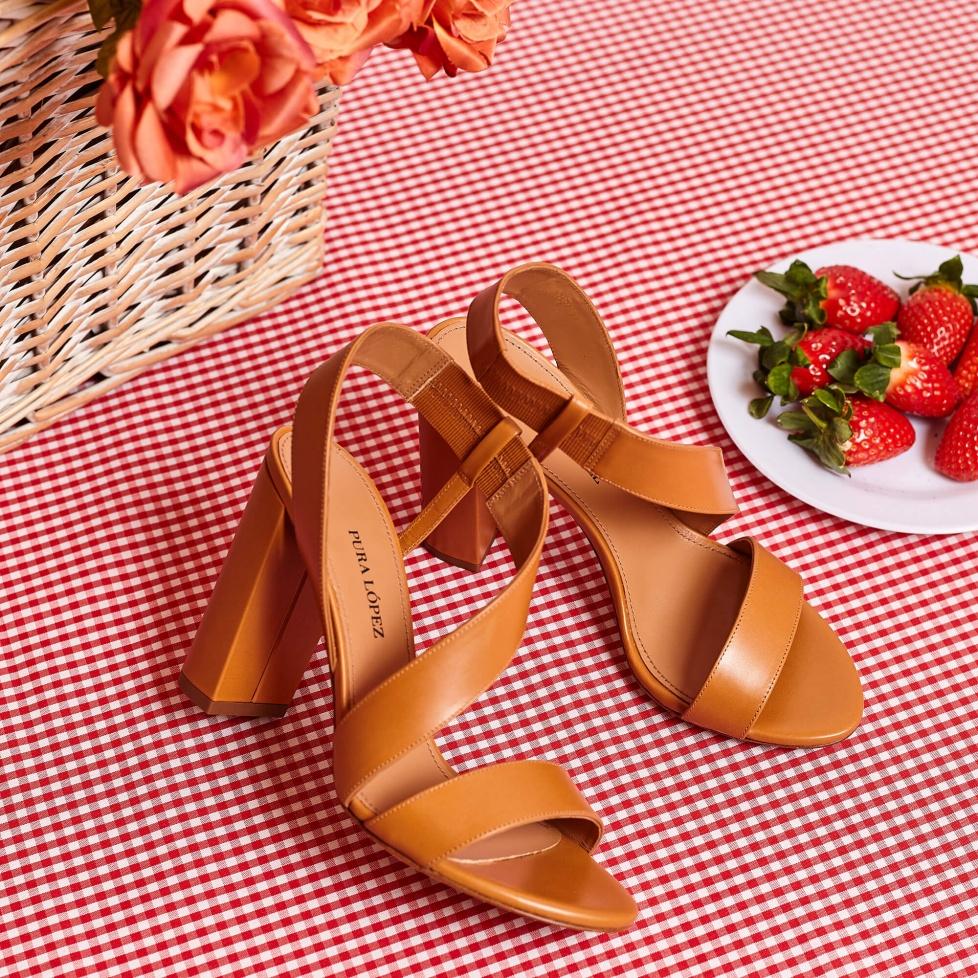 Aquira sandals Pura López
