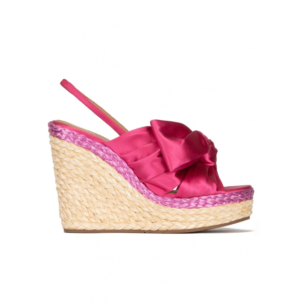 Bow detailed wedge sandals in fuchsia satin
