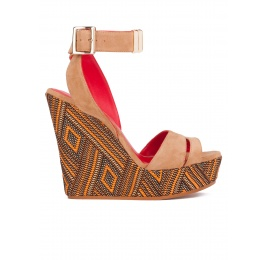 Wedge sandals in hazelnut suede Pura López