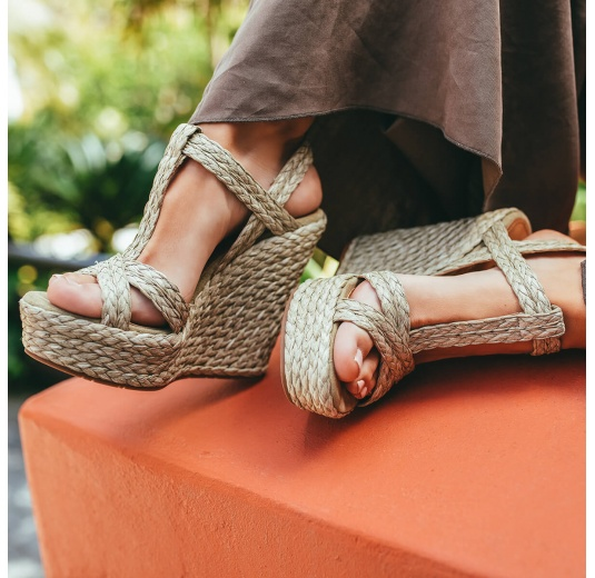 High wedge sandals in taupe raffia and suede Pura L�pez