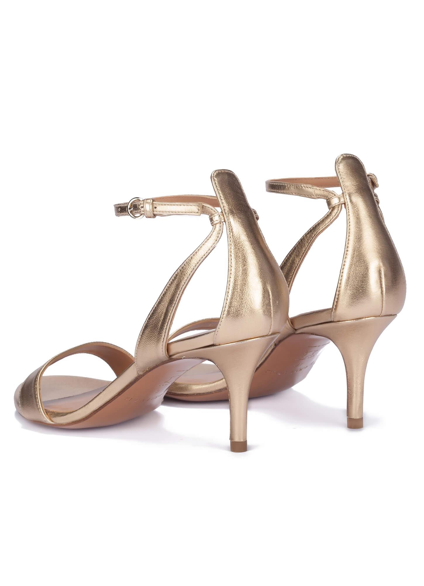 15be2ddf64e1 Mid heel sandals in gold leather - online shoe store Pura Lopez. Fantine Pura  López