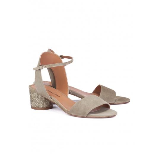 Mid block heel sandals in kaki suede Pura L�pez