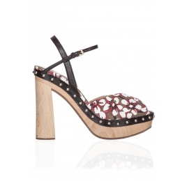Wood platform sandals in printed fabric Pura López