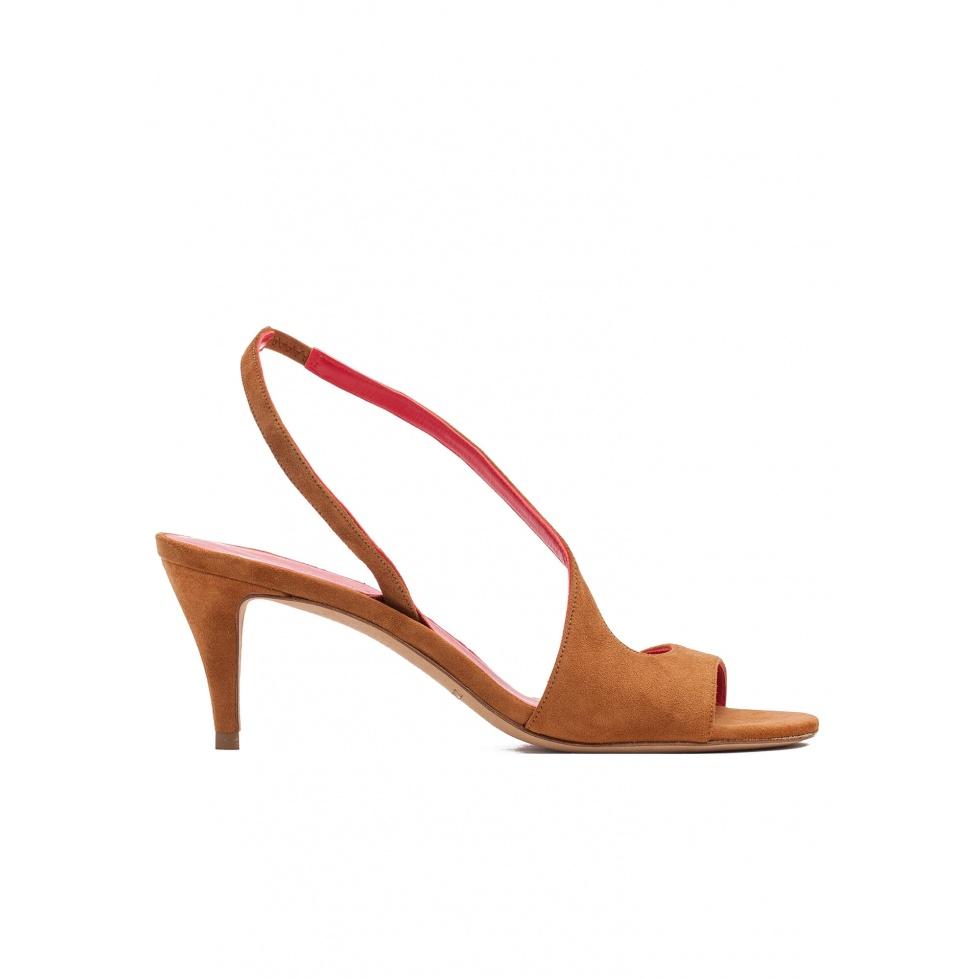Sandalias de tacón medio en ante castaño