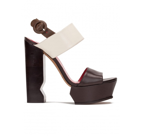 High block heel sandals in brown and cream leather Pura López