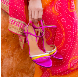 Sandalias metalizadas multicolor con tacón alto Pura López