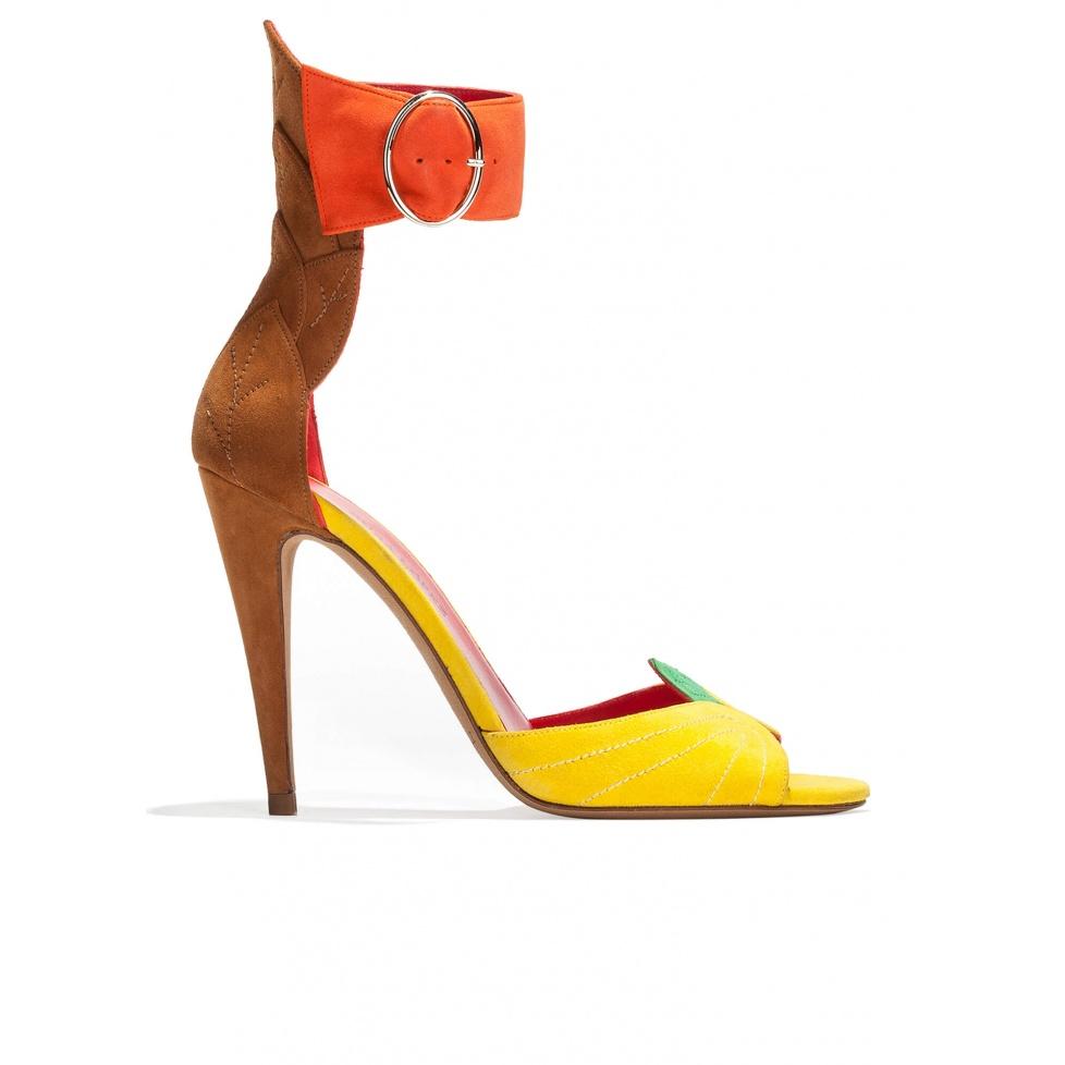 Sandalias de tacón alto con pulsera en ante multicolor con detall de hoja en el talón