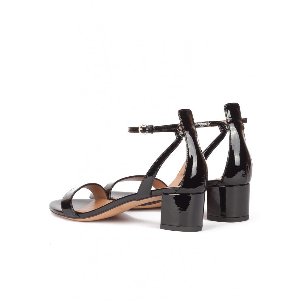 Oneida sandals Pura López