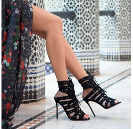 Lace-up heeled sandals in black suede Pura López