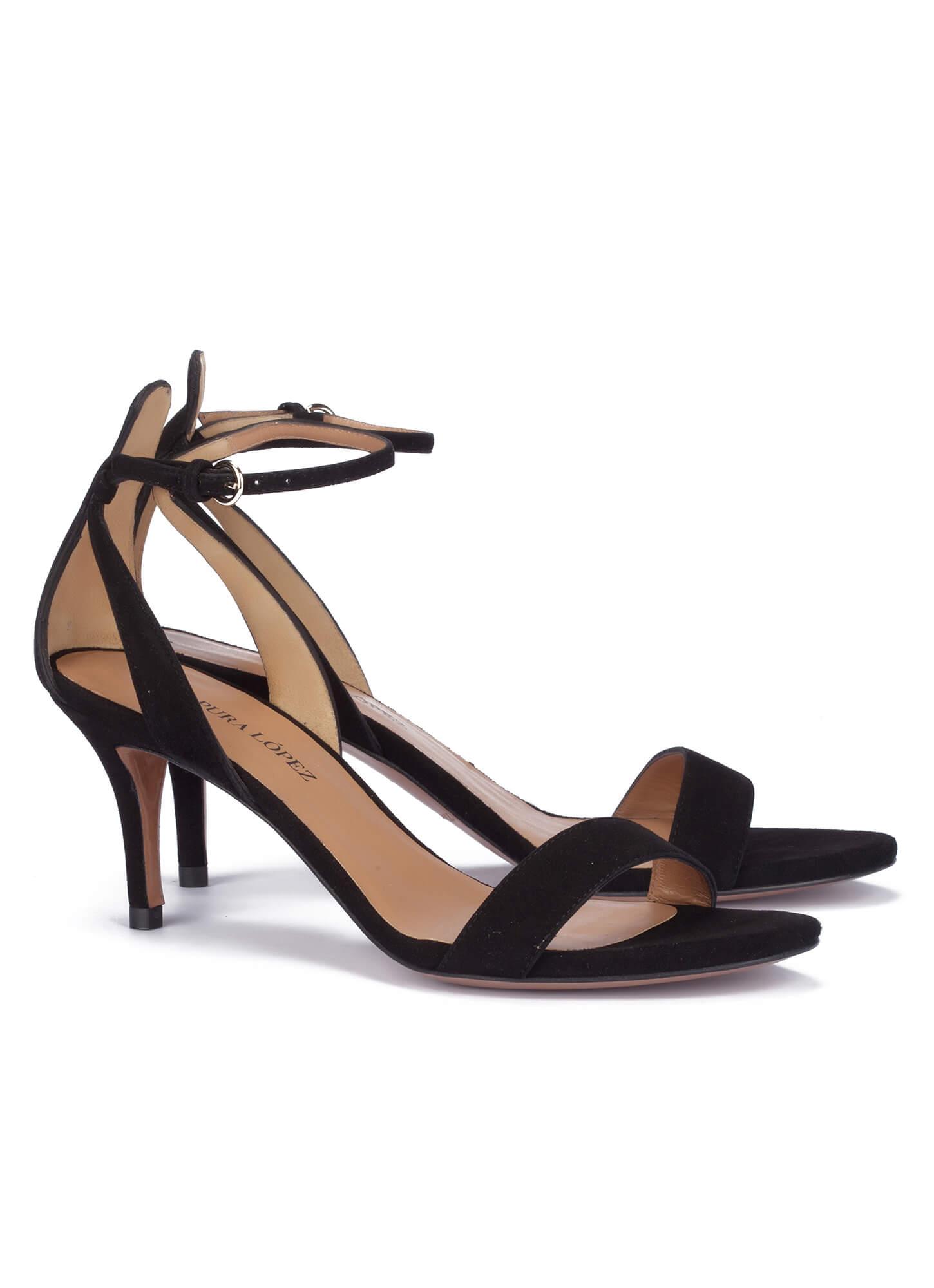 c15772e41f91d4 Sandalias negras de tacón medio - tienda de zapatos Pura López ...