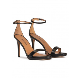 Ankle strap platform heeled sandals in black leather Pura López